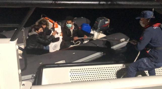 Yunanistanın ölüme terk ettiği 3 sığınmacı kurtarıldı