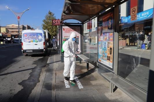 Erzincanda Kovid-19 önlemleri kapsamında iş hanları dezenfekte edildi
