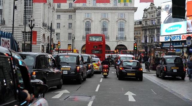 İngiltere 2030da benzin ve dizel araç satışını yasaklayacak