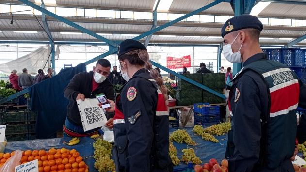 Jandarma ekipleri Silivride pazar denetimi yaptı