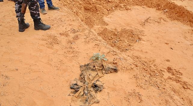 Libyanın Terhune şehrinde yeni bir toplu mezar bulundu