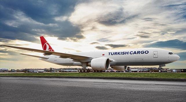 Turkish Cargo, COVID-19 aşılarını tüm dünyaya taşıyor