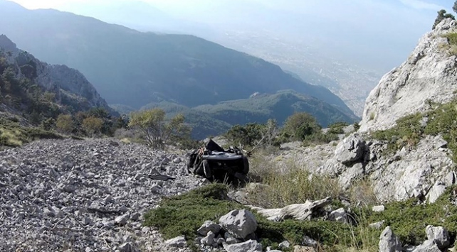 Spil Dağında kaderine terk edilen araçlar görüntülendi