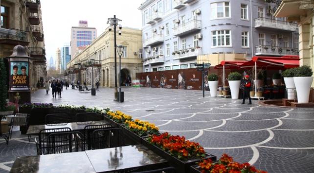 Azerbaycanda COVID-19 karantinası uzatıldı