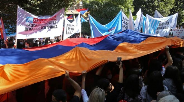 Ermenistanda Paşinyan karşıtı protestolar devam ediyor