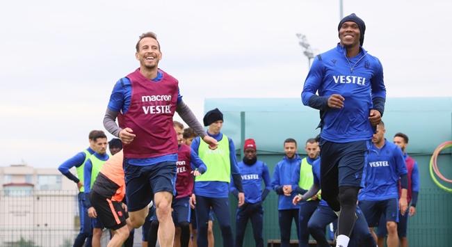Trabzonsporda rekabet yüzleri güldürüyor