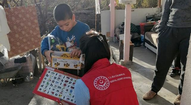 Yozgatta 2 bin 20 çocuğa oyuncak dağıtıldı