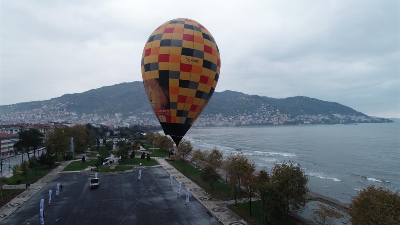 Aybastı ilçesinde menderesleriyle ünlü Perşembe Yaylası`nda ilk kez balon uçuşu denemelerini yapan Büyükşehir Belediyesi, Altınordu ilçesi semalarında da test uçuşu gerçekleştirdi.
