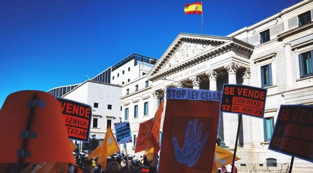 Eğitim reformu İspanyayı ikiye böldü