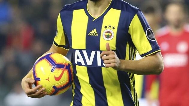 Fenerbahçede 1 futbolcunun koronavirüs testi pozitif çıktı