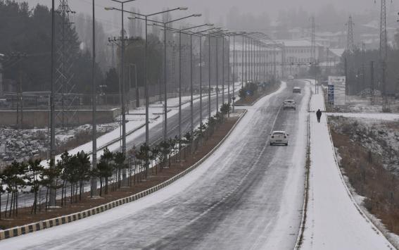 Karsa mevsimin ilk karı yağdı