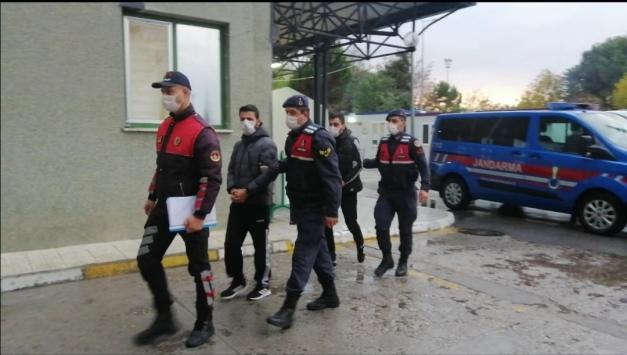 Denizlide 13 ay sakladığı çocuklarının yerini ihbar ettiğini öne sürdüğü kişiyi vuran baba tutuklandı