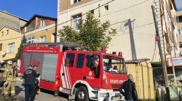 İstanbulda yangın çıkan binadaki 6 kişi kurtarıldı