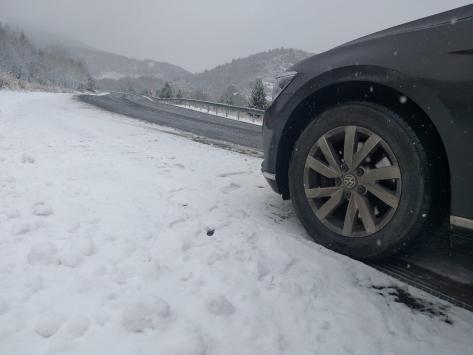 Sivasın yüksek kesimlerine mevsimin ilk karı yağdı