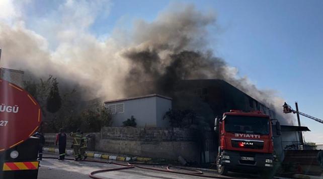 Uşakta tekstil fabrikasında yangın