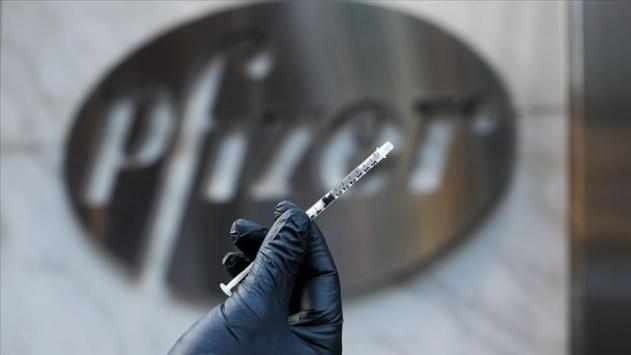 Pfizer ile BioNTeche ait COVID-19 aşısı gönüllülere uygulandı