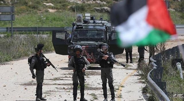 İsrail askerleri Batı Şeriada bir Filistinliyi yaraladı