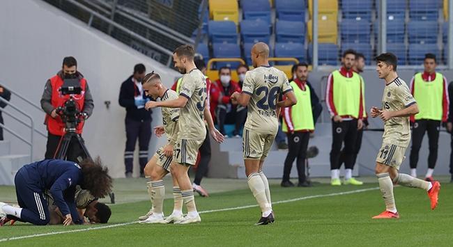 Fenerbahçe dış sahadaki yenilmezliğini sürdürdü