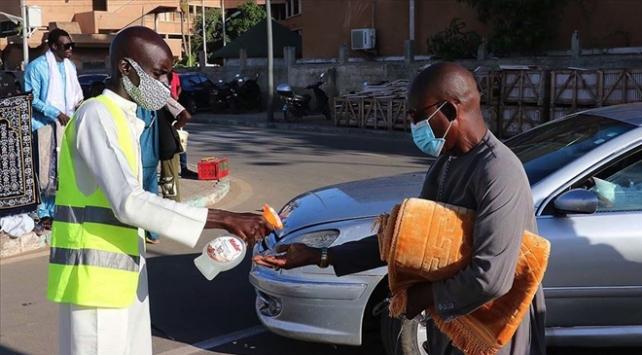 Afrika kıtasında vaka sayısı 2 milyon 70 bine yaklaştı