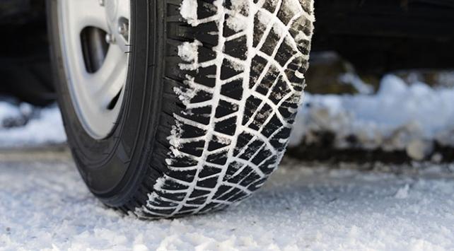 Sürücülere kış lastiği uyarısı: 1 Aralıkı beklemeyin