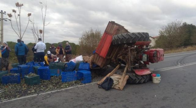 Çanakkalede kontrolden çıkan traktör devrildi: 5 yaralı
