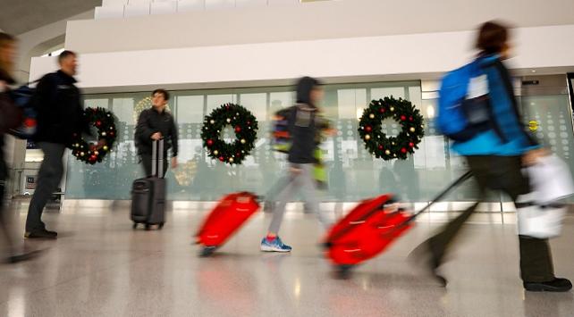 ABDliler Şükran Günü için havaalanlarına akın etti