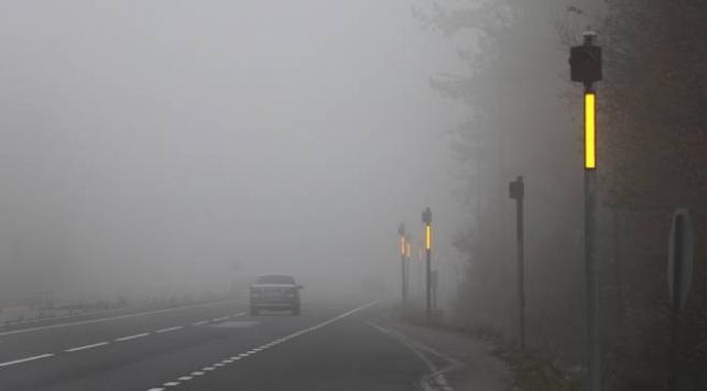 Bolu ve Düzcede yoğun sis trafiği olumsuz etkiliyor
