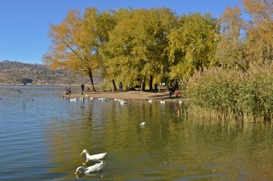 Gölbaşı Gölleri Tabiat Parkında sonbahar güzelliği