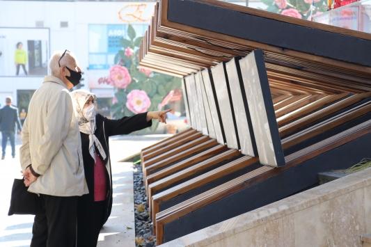 Antalya, Muğla, Isparta ve Burdurda 65 yaş ve üstü vatandaşlar sokağa çıktı