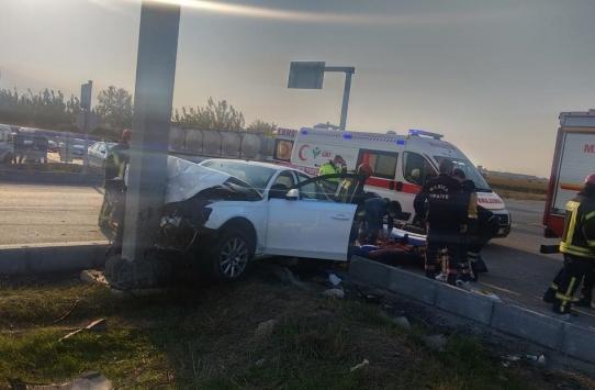 Manisada iki otomobil çarpıştı: 7 yaralı
