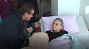 Almanya'da alzheimer olan annesini 3 yıl sonra bakımevinde buldu