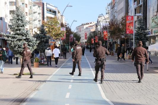Boluda 5 ayda maske takmayan 4 bin 82 kişiye para cezası kesildi