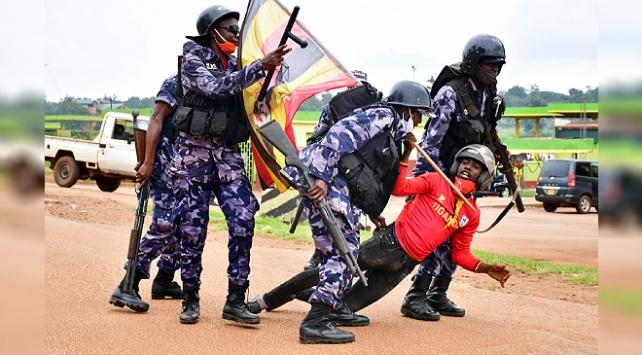 Ugandada seçim öncesi çıkan olaylarda ölü sayısı 45e yükseldi