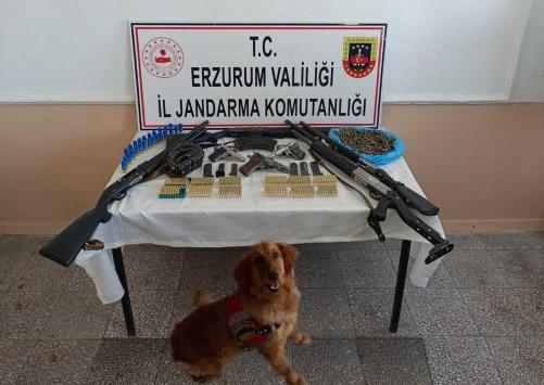 Erzurumda uyuşturucu ve silah kaçakçılığı yaptığı iddia edilen 10 zanlı tutuklandı