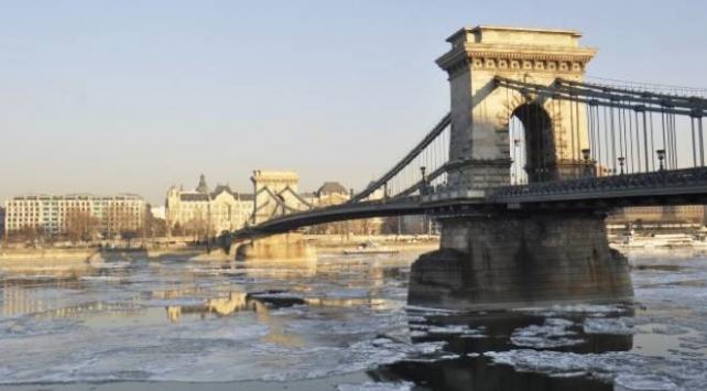 Tuna Nehrinde Osmanlı dönemine ait taş gülle bulundu
