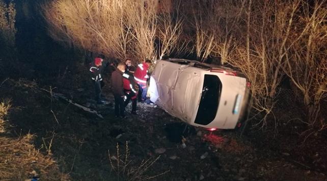 Ağrıda kamyonet devrildi: 17 düzensiz göçmen yaralandı