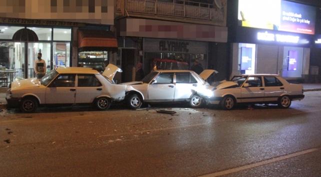 Bursada zincirleme kaza: 2 yaralı