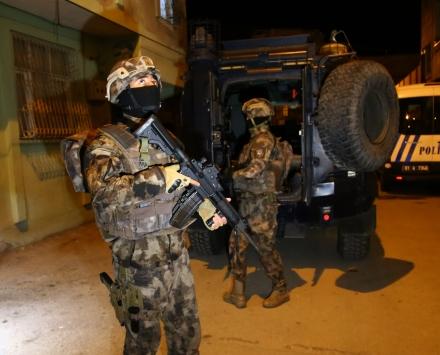 Adanada uyuşturucu satıcılarına yönelik operasyon: 7 gözaltı