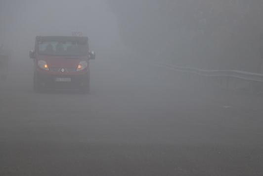 Sakarya ve Kocaelide yoğun sis ulaşımı olumsuz etkiliyor