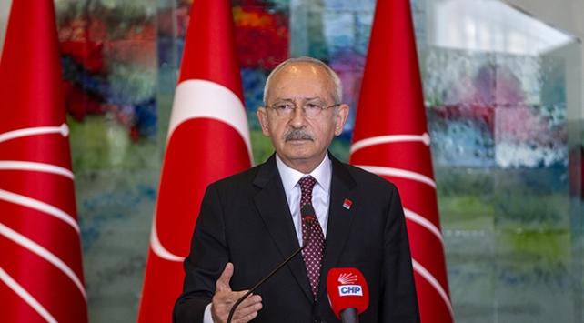 Kemal Kılıçdaroğlu Öğretmenler Gününü kutladı