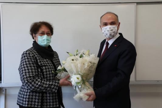 Düzce Belediye Başkanı Özlüden lise öğretmenine 24 Kasım kutlaması