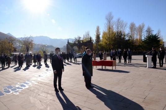 Van, Hakkari, Bitlis ve Muşta Öğretmenler Günü kutlandı