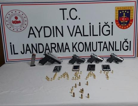 Aydında yasa dışı silah ticareti yapan 2 kişi yakalandı
