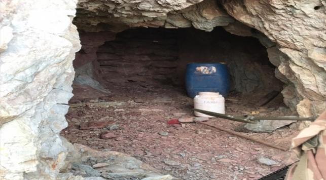 Bitliste teröristlerin kullandığı 3 mağara imha edildi