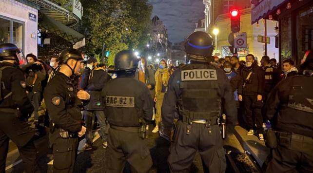 Pariste polisin sığınmacılara uyguladığı şiddetin yankıları sürüyor