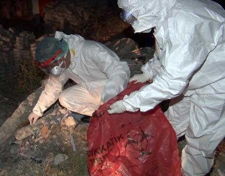 Ankaradaki atık tahlil tüpleri koronavirüs paniğine neden oldu