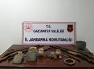 Gaziantep'te tarihi eser niteliğinde 2 kitap ve çeşitli objeler ele geçirildi