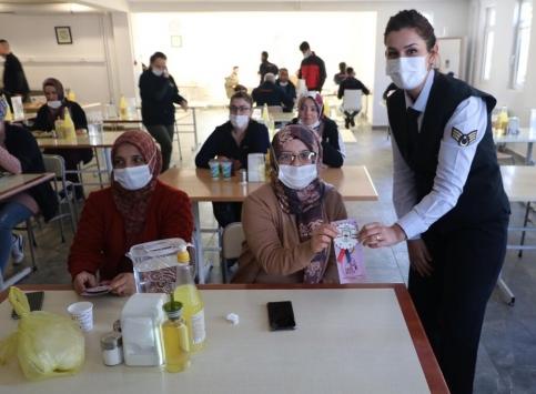 Yozgatta jandarma, şiddete karşı kadınları bilgilendirdi