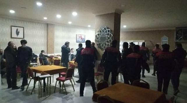 Kıraathanede oyun oynayan 23 kişiye 65 bin 700 lira ceza