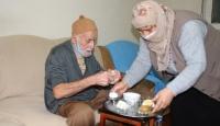 96 yaşında koronavirüsü yenen Okutan: Süt, bal, pekmez tükettim
